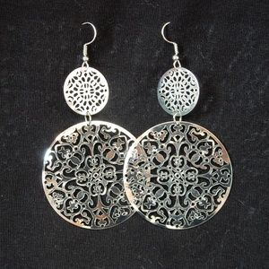 Jewelry - Brand new silver colored fashion earrings